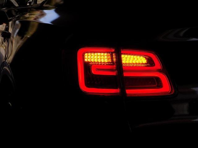 ベースグレード D車左H ツーリング&カーボンスタイリング&マリーナドライビングスペック SR MANSORYカーボンボンネット Precisione24inAW STARTECHマフラー 電動サイドステップ 黒革(43枚目)