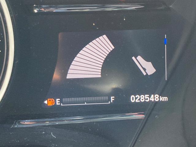 ハイブリッドRS・ホンダセンシング シートヒー ナビTV ETC メモリーナビ アイドリングストップ DVD アルミ 盗難防止システム オートクルーズ スマキー リアカメ 衝突軽減ブレーキ付き VSA エアコン ワンセグTV ABS(41枚目)