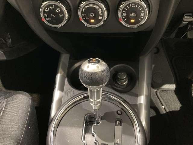 G メモリーナビ フルセグ バックカメラ HIDヘッド フルセグTV AS&G メモリーナビ スマートキー ナビTV付き 横滑り防止装置 CD キーレス イモビライザー ABS(11枚目)