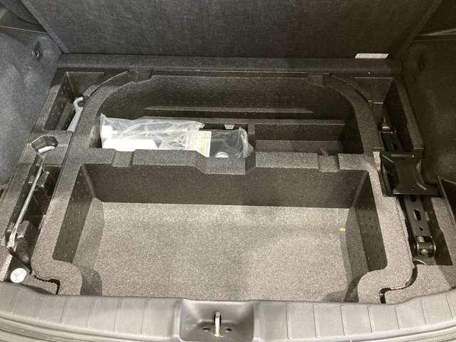 G メモリーナビ フルセグ バックカメラ HIDヘッド フルセグTV AS&G メモリーナビ スマートキー ナビTV付き 横滑り防止装置 CD キーレス イモビライザー ABS(19枚目)