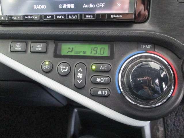 トヨタ アクア S ナビ フルセグ