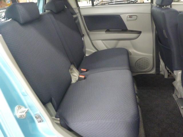 後部座席も状態良好。ここには誰を乗せますか?家族?友達? それとも。。。