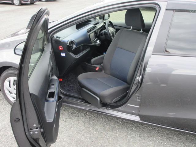 S 2年保証 福祉車両 助手席回転シート 車いす収納装置付き 純正ナビ バックモニター スマートキー ETC(3枚目)
