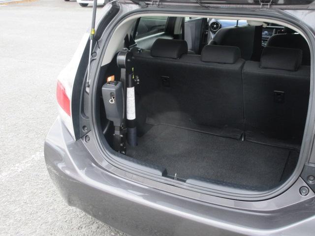 S 2年保証 福祉車両 助手席回転シート 車いす収納装置付き 純正ナビ バックモニター スマートキー ETC(4枚目)