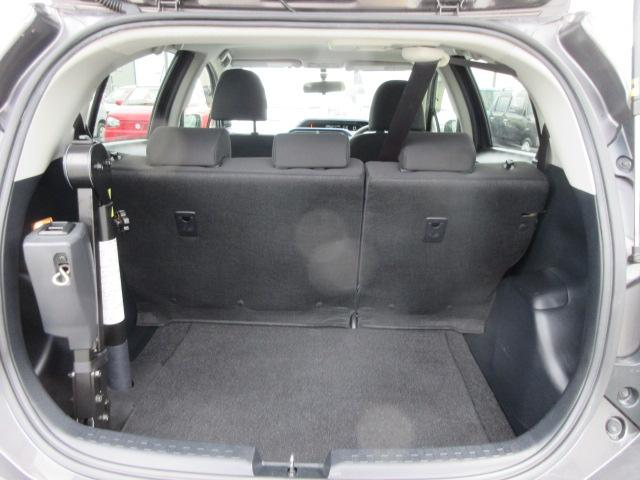 S 2年保証 福祉車両 助手席回転シート 車いす収納装置付き 純正ナビ バックモニター スマートキー ETC(17枚目)