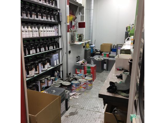 当社の塗装部門は、調色室を備えておりますのでどんな色でも確かな技術で作り出すことができます!塗装のご満足度は色作りから!