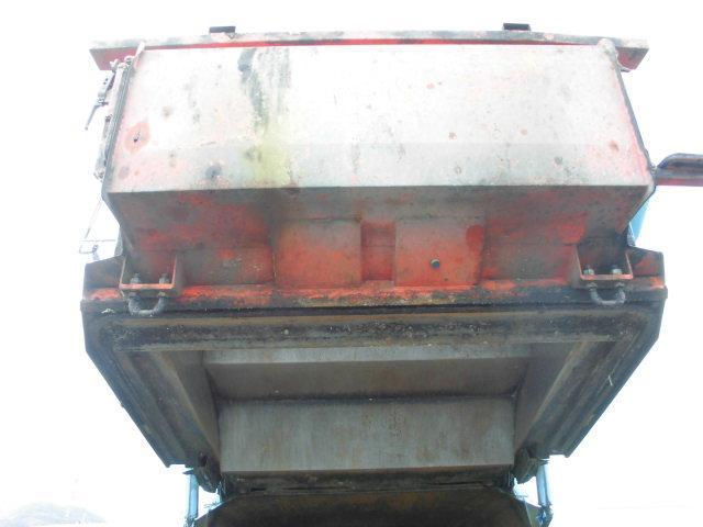 3T パッカー車 塵芥車 回転式 押出し式 6.4立米(9枚目)