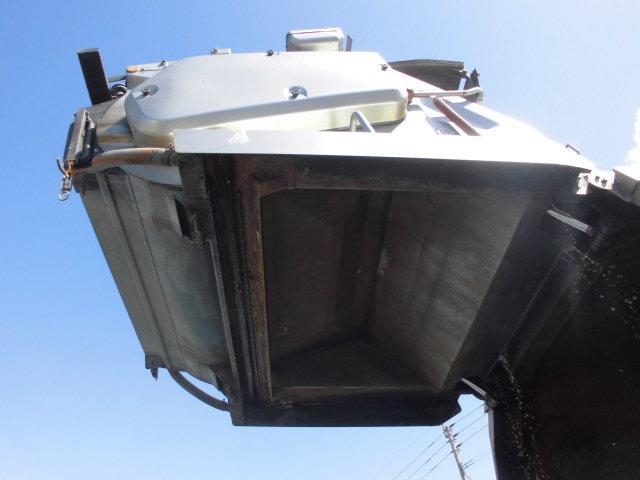 4.8T パッカー車 塵芥車 回転式 ダンプ式 8.5立米(9枚目)