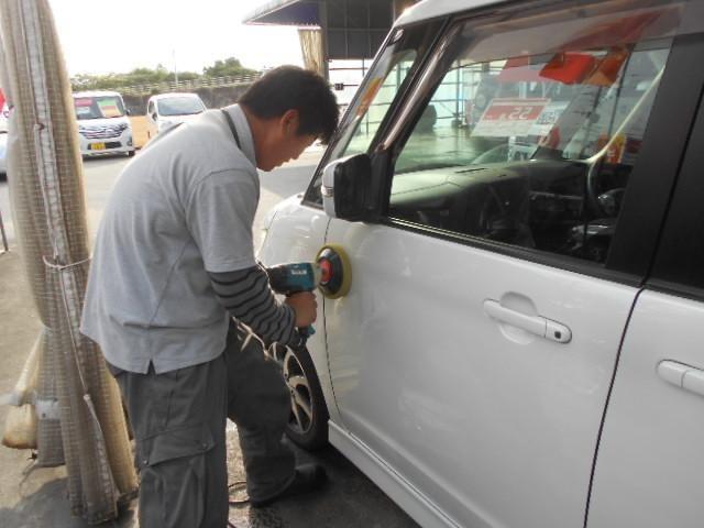 水垢がヒドイ車は、再度仕上げを行っておりピカピカの状態に仕上げます。キレイな状態を見て頂ければご納得いただけるはずです!
