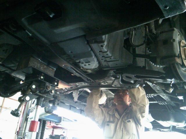 車は命を乗せるものですのでミスは許されません!!当社はダブルチェックを行い、ネジの締め忘れ等を防止しております!!