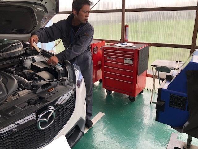 車検時は陸運局と同様の高額機材を使用し、適正な検査を行っております。