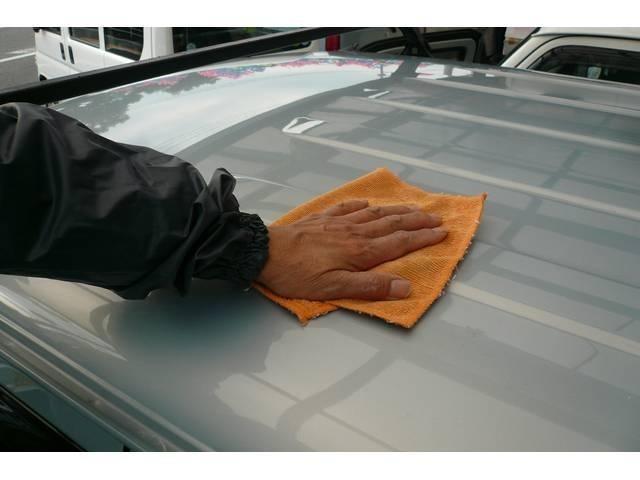 手の届きにくい天井まで日々洗車をおこない、お客様のご来店をお待ちしております(*^_^*)