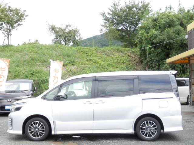 「トヨタ」「ヴォクシー」「ミニバン・ワンボックス」「福岡県」の中古車4