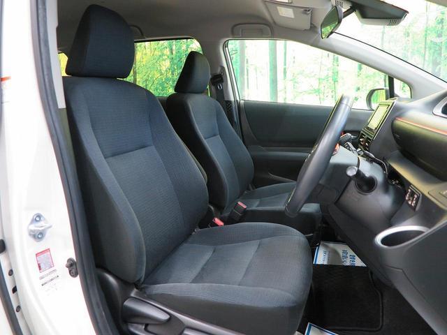 落ち着いた【ブラックファブリックシート】仕様。車内も運転しやすい環境を実現しております