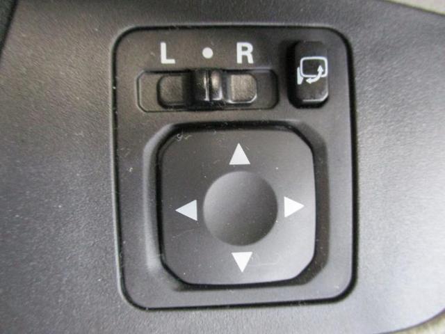S 駆動FFヘッドランプハロゲンアイドリングストップパワーウインドウキーレスエントリーマニュアルエアコンフロントシート形状ベンチシート2列目シート形状分割可倒パワーステアリング禁煙車(11枚目)