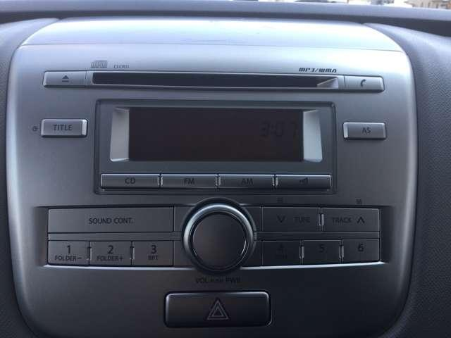 CDラジオもシンプル操作。純正オーディオです。