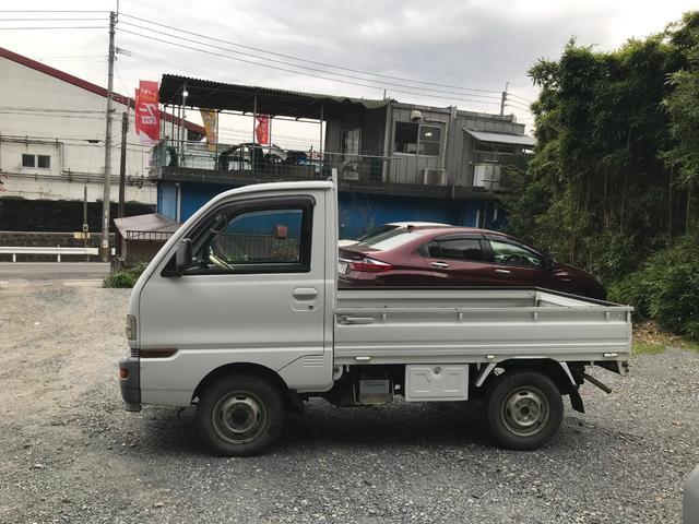 5速マニュアル エアコン 4WD(5枚目)