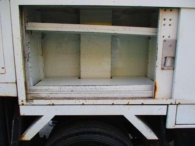 いすゞ エルフトラック 高所作業車 バックモニター