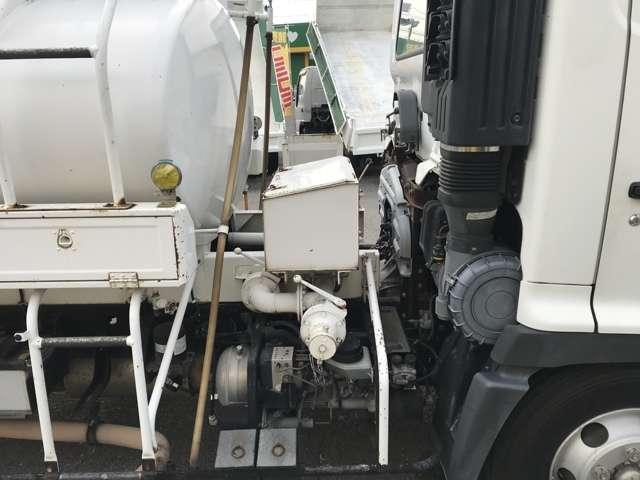 4KL タンクローリー 坂道発進補助(10枚目)