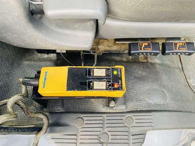 4tアームロール Wシリンダー 新品コンテナ 4トン フックロール 新明和ツインホイスト エアコン パワステ パワーウィンドウ ABS(16枚目)
