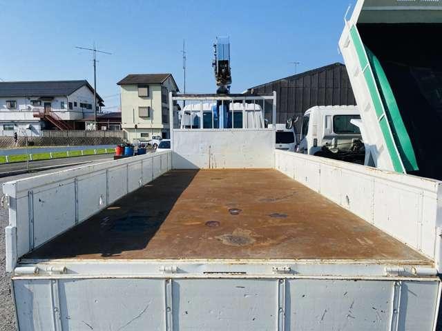 4トンユニック 3段クレーン ラジコン付 ターボ車 鉄板張 4tクレーン セミロング(17枚目)