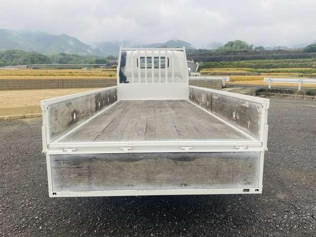 2t平ボディ ワイドロング オートマ車 全低床 ターボ車 外装仕上済 2トンヒラ(9枚目)