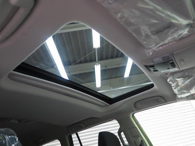 TX ムーンルーフ クリアランスソナー ルーフレール 登録済未使用車 セーフティセンス 7人乗り LEDヘッド 4WD 黒内装 オートハイビームアシスト 純正17アルミ デュアルオートエアコン(4枚目)