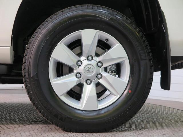 TX ムーンルーフ クリアランスソナー ルーフレール 登録済未使用車 セーフティセンス 7人乗り LEDヘッド 4WD 黒内装 オートハイビームアシスト 純正17アルミ デュアルオートエアコン(20枚目)