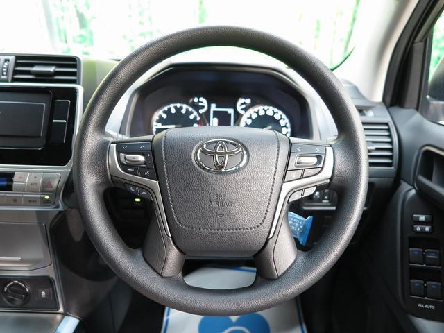 TX ムーンルーフ クリアランスソナー ルーフレール 登録済未使用車 セーフティセンス 7人乗り LEDヘッド 4WD 黒内装 オートハイビームアシスト 純正17アルミ デュアルオートエアコン(27枚目)