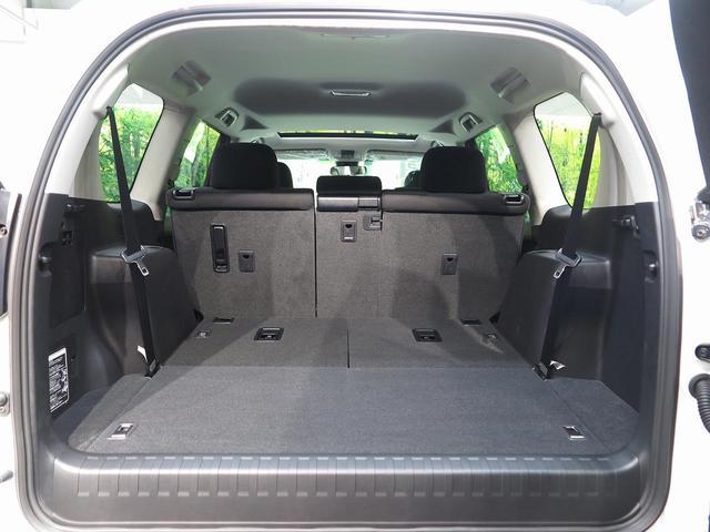 TX ムーンルーフ クリアランスソナー ルーフレール 登録済未使用車 セーフティセンス 7人乗り LEDヘッド 4WD 黒内装 オートハイビームアシスト 純正17アルミ デュアルオートエアコン(44枚目)