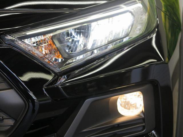 アドベンチャー オフロードパッケージ 登録済み未使用車 純正ディスプレイオーディオ バックカメラ 純正専用18インチアルミホイール 専用サスペンション ルーフレール LEDヘッド セーフティセンス 4WD(13枚目)