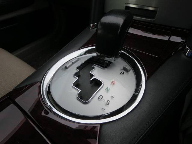 250G Fパッケージリミテッド 運転席パワーシート HID(8枚目)