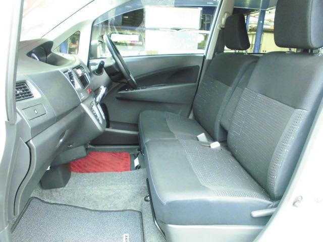 カスタム RS ターボ 社外CDデッキ HIDヘッドライト フォグランプ 電動格納ドアミラー ベンチシート アイドリングストップ 本革巻きハンドル プッシュスタート(15枚目)