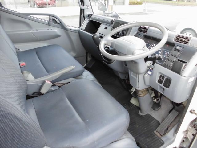 『全てのお客様に安全を』 自社運営の運輸局指定整備工場(民間車検工場)を完備しております。 経験豊富な整備士が多数在籍し納車前点検や車検整備等の作業を実施していますので安心です。