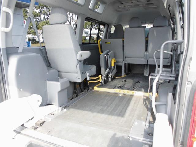 ウェルキャブ 車椅子リフト仕様 車椅子電動固定装置2基(18枚目)