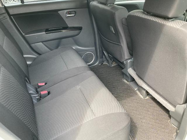 後部座席も十分な広さを確保!!大人がしっかり乗っていただける広さです。