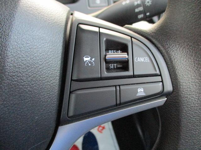 設定速度(約45〜100km/h)を自動キープ【クルーズコントロールシステム】長距離のドライブに!