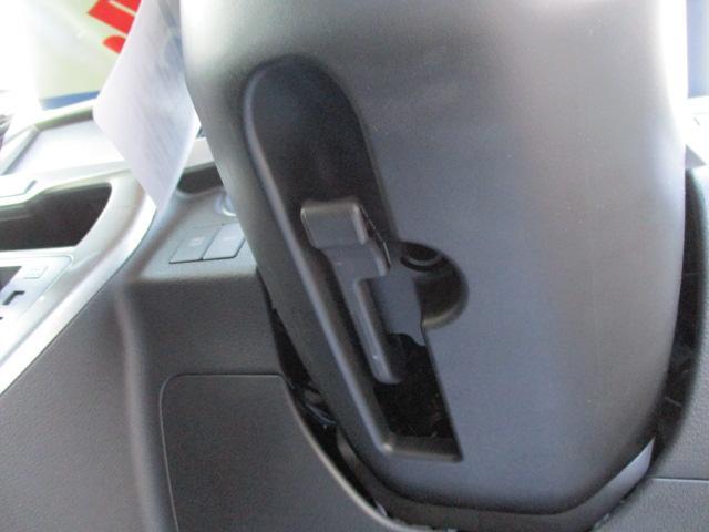 ステアリングの高さを運転しやすい高さに調整する【チルトステアリング】で快適にドライブできそうですね♪