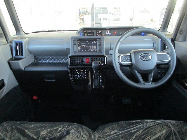 カスタムRS 両側電動スライドドア シート ハーフレザー バックモニター ターボ 衝突安全ボディ エンジンスタートボタン 衝突安全装置 車線逸脱防止支援システム EBD付ABS 横滑り防止装置 修復歴無(4枚目)