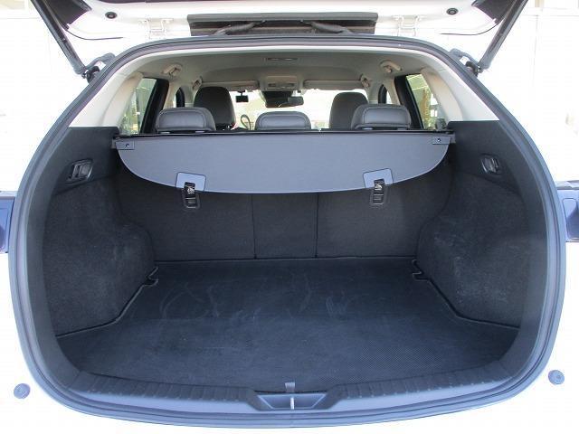 25S Lパッケージ 純正SDナビ/シート フルレザー/車線逸脱防止支援システム/パーキングアシスト バックガイド/電動バックドア/ヘッドランプ LED/ETC/EBD付ABS/横滑り防止装置 革シート(8枚目)