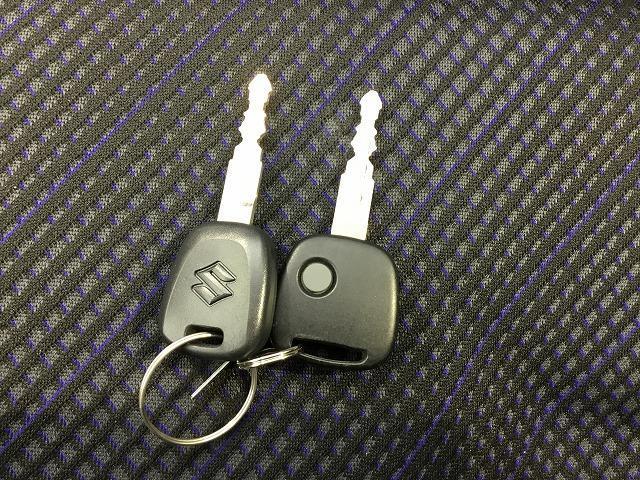 FX EBD付ABS/横滑り防止装置/アイドリングストップ/エアバッグ 運転席/エアバッグ 助手席/パワーウインドウ/キーレスエントリー/オートエアコン/シートヒーター 前席/パワーステアリング 禁煙車(14枚目)