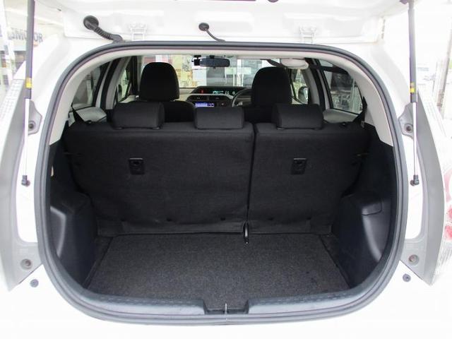 S 社外 ナビ/EBD付ABS/横滑り防止装置/アイドリングストップ/TV/エアバッグ 運転席/エアバッグ 助手席/パワーウインドウ/キーレスエントリー/オートエアコン/パワーステアリング/ワンオーナー(8枚目)