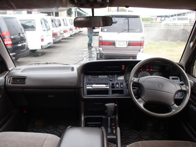 トヨタ ハイエースワゴン リビングサルーンEX トリプルムーンルーフ ダブルエアコン