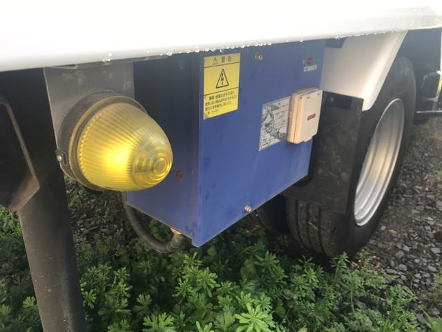 冷蔵・冷凍車 設定温度ー30℃ 最大積載量2000kg(19枚目)