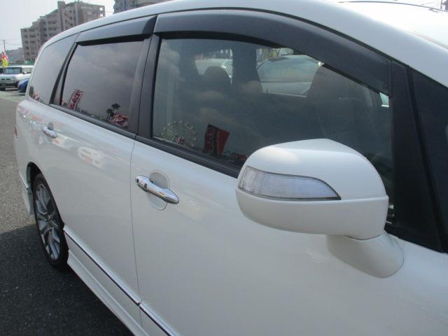 対向車にも分かりやすくスタイリッシュなウィンカードアミラー♪ドアバイザーUVカット&プライバシーガラス メッキアウタドアハンドル