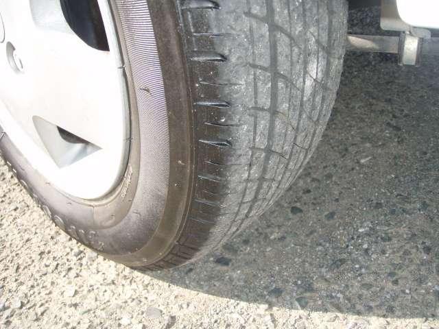 ご購入成約車者限定でプラス1万円でタイヤ4本新品に交換します すぐに交換しなくてもスペアとしていかがでしょう