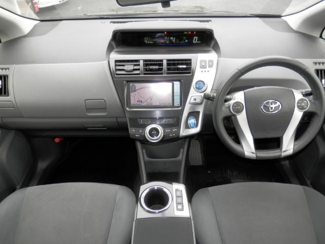 ハンドル擦れもなくメーターまわりもすっきりしております。ガラスも広く視界も良くなり運転しやすいコンディションになっております(^-^)もちろんエアバックも付いており安心してお乗り頂けます(*^_^*)