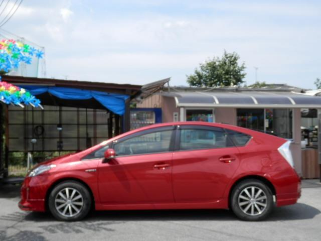 フィルム施工サービス可能です。プライバシーガラスが純正装備されております!断熱効果があるので、日光による車内温度の上昇を防いでくれます。夏場のエアコンは効きが良くなり、快適に過ごせます。