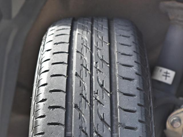 純正15インチアルミホイール・タイヤの溝も十分ございます☆