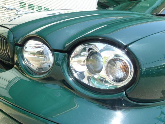 ライト磨き加工も施工いたします!クリアなレンズで愛車が輝きます。